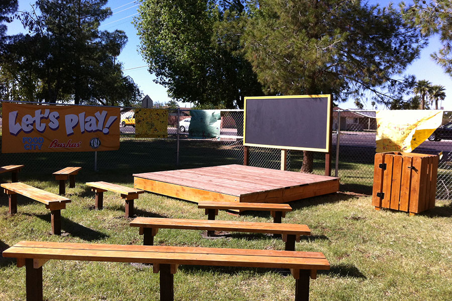 How to build a 10′ x 10′ stage