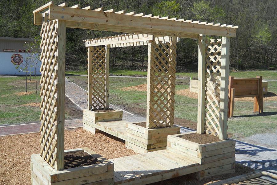 trellis planter bench 1